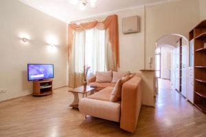 Двухкомнатная квартира в центре Киева посуточно