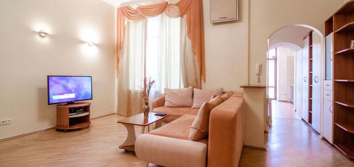 Двухкомнатная квартира посуточно в центре Киева