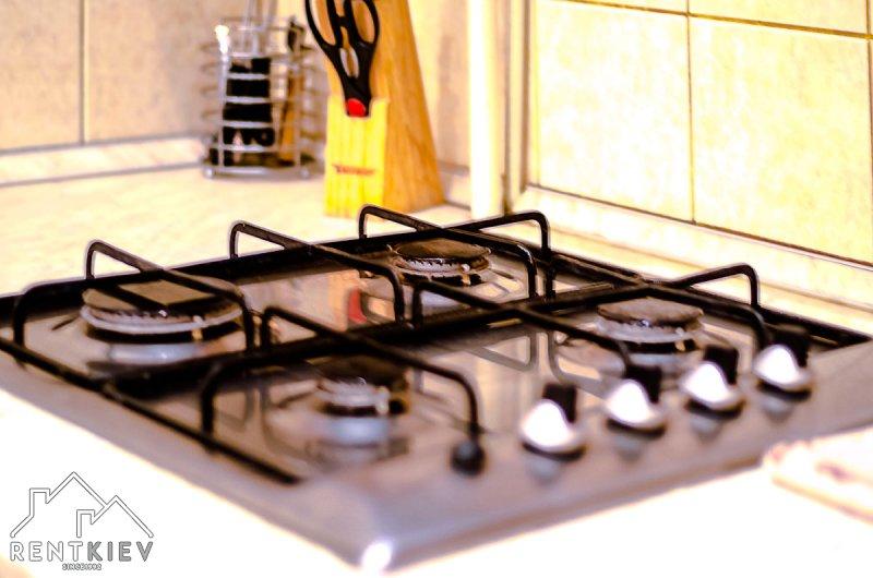 Газовая плита на кухне.