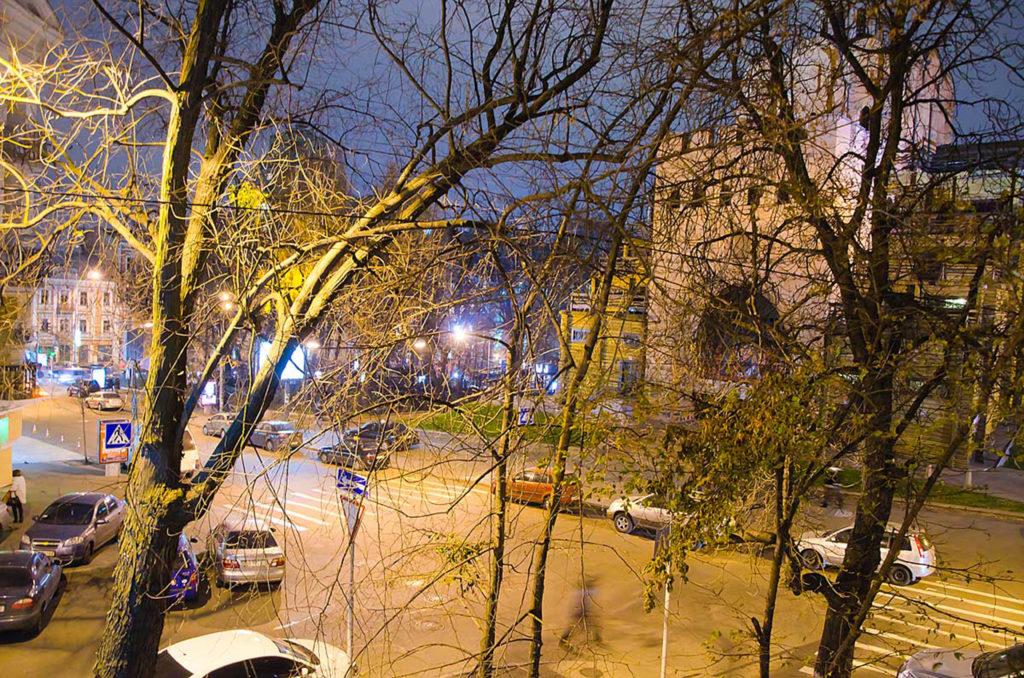 Вид из окна квартиры.