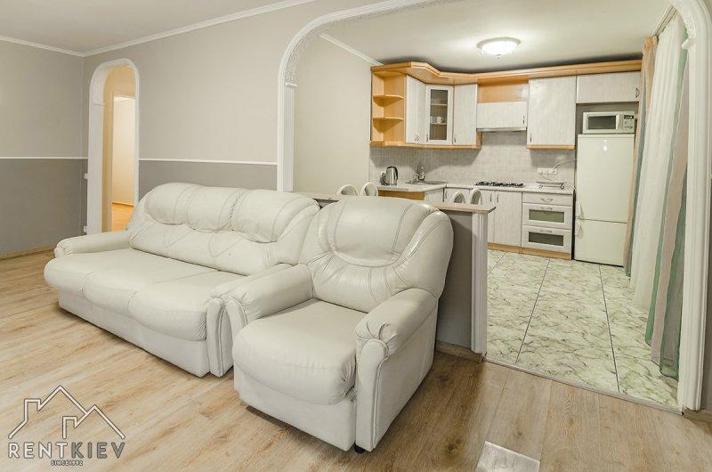 Аренда трехкомнатной квартиры в Киеве посуточно